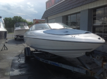 1997 21' Chris Craft Concept Bow-rider