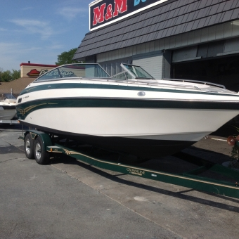 2003 Crownline 270 Bow-rider